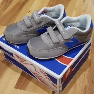 NEW Little Boys Size 9W New Balance Velcro Shoes